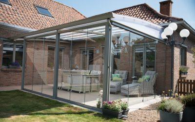 AC systems terrasoverkapping dichtgebouwd met glazen schuifwanden